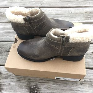 UGG Shoes - Ugg Benson Boots